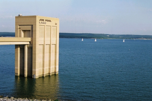 joe pool lake dam