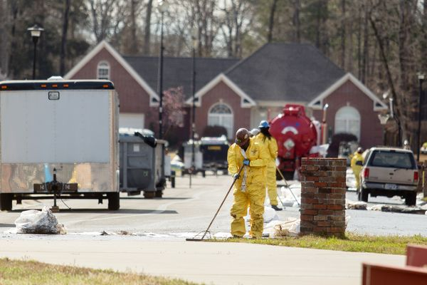 arkansas-oil-spill-houses_65890_600x450